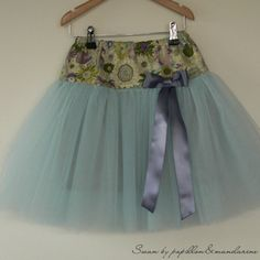 Beautiful free French tutu pattern - this is so unique and pretty!