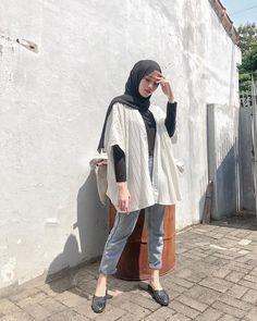 Modern Hijab Fashion, Street Hijab Fashion, Hijab Fashion Inspiration, Muslim Fashion, Hijab Fashion Style, Casual Hijab Outfit, Ootd Hijab, Hijab Chic, Hijabs