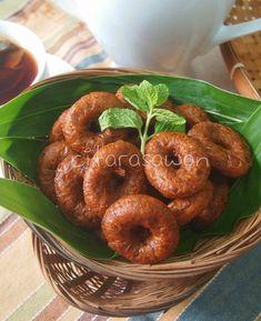 Kuih Peniram / Denderam ~ Resepi Terbaik Indonesian Desserts, Asian Desserts, Indonesian Food, Indonesian Recipes, Malaysian Dessert, Malaysian Food, Snack Recipes, Cooking Recipes, Snacks