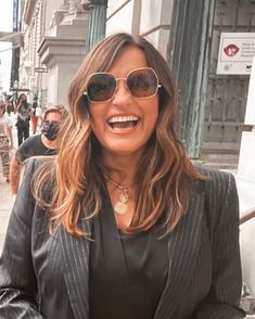 Mariska Hargitay Olivia Benson, Mariska Hargitay, Just Be You, How Many People, Law And Order, Her Smile, Her Hair, Sunglasses Women, Long Hair Styles