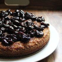 Flourless Almond Cake with Balsamic Roasted Cherries from Emma's Little Kitchen @emmawagenvelt // gluten free