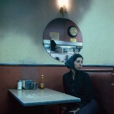 Waiting for the waiter- New York City, 1967 © Danny Lyon