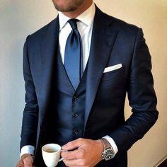 Men's navy blue suit with white longsleeve combination. Blue Suit Wedding, Wedding Men, Wedding Suits, Cheap Mens Fashion, Mens Fashion Suits, Mens Suits, Mens Custom Suits, Men's Business Outfits, Blue Suit Men