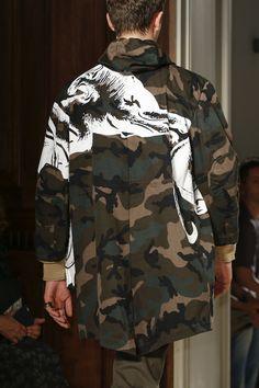 Valentino Spring 2017 Menswear Accessories Photos - Vogue Source by Ideas spring Valentino, Vogue, Urban Fashion, Mens Fashion, Fashion Menswear, Style Urban, World Trends, Urban Looks, Fashion Show