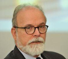 """Opinião: A crise brasileira: """"É a política, estúpido!"""" – Por Carlos A. Primo Braga http://www.jornaldecaruaru.com.br/2016/01/opiniao-a-crise-brasileira-e-a-politica-estupido-por-carlos-a-primo-braga/"""