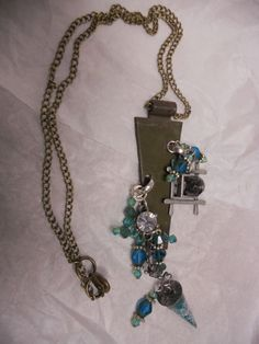 Vintage hasp necklace with beads