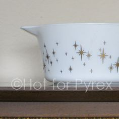 RARE Constellation Pyrex 474 - this dish is so dreamy!