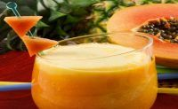 Shake de mamão papaia e abacaxi