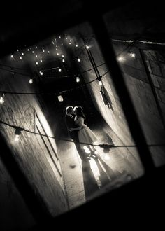Get expert wedding planning advice and find the best ideas for wedding decorations, wedding flowers, wedding cakes, wedding songs, and more. Night Wedding Photography, School Photography, Photography Studios, Power Photos, Wedding Songs, Diy Wedding, Wedding Ceremony, Wedding Ideas, West End
