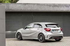 Facelift: Mercedes A-klasse weer helemaal bij de tijd Facelift: Mercedes A-class completely up-to-date New Mercedes A Class, Mercedes Benz For Sale, Mercedes Benz Amg, Audi Tt, Dirt Track Racing, Drag Racing, A Class Amg, A45 Amg, Bentley Mulsanne
