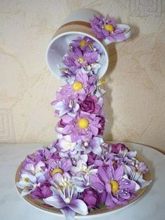 Take this creative gift idea to make a Floral Waterfall in a Cup full of mini flowers for your Valentine's Day present. Check out this step-by-step craft tutorial Silk Flowers, Paper Flowers, Floral Bouquets, Floral Wreath, Craft Tutorials, Craft Projects, Floating Tea Cup, Teacup Crafts, Quick And Easy Crafts