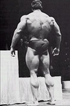 1974 Mr. Olympia: Lou Ferrigno vs. Arnold Schwarzenegger