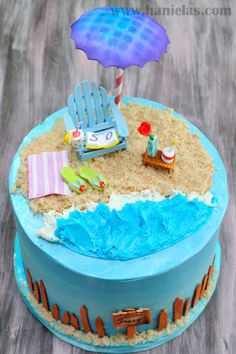 Beach Cake with Gumpaste Adirondack Chair http://www.hanielas.com/2013/07/beach-cake-with-gumpaste-adirondack.html