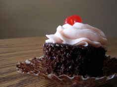 One Bowl Spumoni Cupcakes | Cupcakes & Muffins | Pinterest | Bowls ...