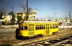 Tranvía sobre la Calzada de Tlalpan, al centro-sur de la Ciudad de México.  Foto tomada en la década de los 50's.