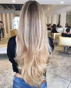 Hairstyles and Beauty: The Internet`s best hairstyles, fashion and makeup pics are here. Balayage Hair Blonde, Brown Blonde Hair, Ombre Hair, Beautiful Long Hair, Gorgeous Hair, Long Hair Cuts, Long Hair Styles, Pinterest Hair, Trending Haircuts
