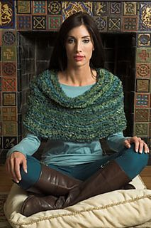 Free pattern on Ravelry Spago Shoulder Cowl