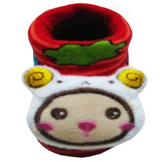 BB adalah kaos kaki bentuk sepatu dengan tempelan boneka besar dan lucu cocok untuk bayi laki-laki atau perempuan usia 6bln-1th.  Warna: hijau, biru, pink, merah, kuning, orange Bahan: acrylic dan spandex  Harga Rp.100.000 / LS http://kaoskaki.indosock.co.id/bb/