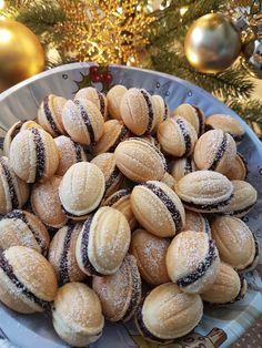 Romanian Desserts, Romanian Food, Sweet Cooking, Walnut Cookies, How To Make Breakfast, Food Art, Christmas Cookies, Food Inspiration, Deserts