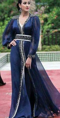 Navy Blue Chiffon Long Sleeves Moroccan Caftan Kaftan Muslim Dubai Evening Dress 2017 Vestidos longo V-Neck Formal Prom Dresses Hari Raya -- AliExpress Affiliate's Pin. Locate the AliExpress offer simply by clicking the image Morrocan Dress, Moroccan Caftan, Kaftan Abaya, Caftan Dress, Look Formal, Formal Prom, Formal Dress, Oriental Dress, Islamic Fashion