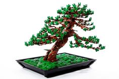 レゴで作られた盆栽「LEGO Bonsai Tree」  http://blog.livedoor.jp/clock510/archives/1866427.html#more