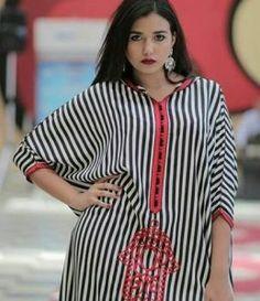 Girl Fashion Style, Womens Fashion, Fashion Styles, African Fashion, Indian Fashion, Hijab Fashion, Fashion Dresses, Caftan Gallery, Modern Abaya