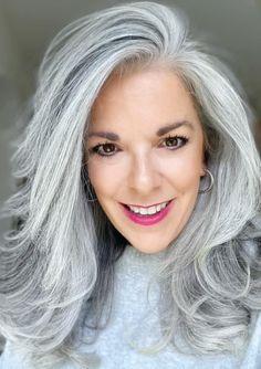 Cut My Hair, Hair Cuts, Holiday Hairstyles, Going Gray, Silver Age, Grey Hair, Shades Of Grey, Beauty Hacks, Beauty Tips