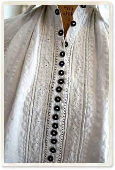 東欧ルーマニアアンティークシャツC - 【Belle Lurette】ヨーロッパ フランス アンティークレース リネン服の通販 Vintage Shirts, Vintage Tops, Folk Fashion, Womens Fashion, Victorian Blouse, Dress Up Boxes, Fashion Design Sketches, Historical Costume, Boho Outfits