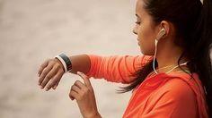 Egy újfajta kütyü segíti a viselőit az edzésben *  A new class of gadgets is helping wearers get fit.