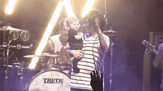 this is soooooo freaking cuteeeee hahaha Copeland's face at the end!