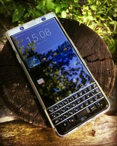 BlackBerry® smartphones are still captivated in the heart, even more now is balanced with Android system Performance, the more I like.  Versions Share ©by: █║ Rhèñdý Hösttâ ║█ (menggunakan BlackBerry®Z10)