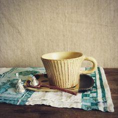 カップと揃いで 焼き上がりました(^-^) 今日はすでに暑い信楽ですが お母さんは この間に 洗濯洗濯★  Yellow mat glaze c&s