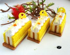 Finger citron vert mangue - Les desserts de JN Vegan Dessert Recipes, Low Carb Desserts, Sweets Recipes, Cake Recipes, Cooking Recipes, Patisserie Fine, Beaux Desserts, Travel Cake, Individual Cakes