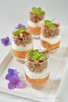 #Verrines con chutney di pesche, crema di ricotta e crumble di Prosciutto Toscano DOP #fingerfood #jambon