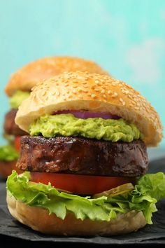 Thick and hearty vegan black bean burgers, crispy on the outside, soft on the inside, simple, savory and deliciously spiced! Vegan Recipes Videos, Vegan Dinner Recipes, Healthy Crockpot Recipes, Delicious Vegan Recipes, Vegan Dinners, Whole Food Recipes, Vegetarian Recipes, Burger Recipes, Vegan Bean Burger