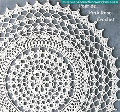 Free crochet chart from Pink Rose Crochet (notes are in Portuguese) Free Crochet Doily Patterns, Crochet Chart, Thread Crochet, Filet Crochet, Crochet Motif, Free Pattern, Crochet Dreamcatcher Pattern Free, Crochet Diagram, Crochet Tablecloth Pattern