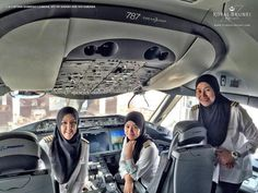AMAZING STORIES AROUND THE WORLD: Royal Brunei Airlines' First All-Female Pilot Crew...