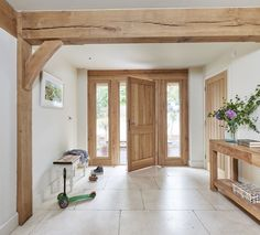 Oak - - Arch -Border Oak - - Arch - Reclaimed Barn Wood Mantel Beams, Mantel Beams, Antique Barrel Collection Zona giorno - No half-timbered house, only a room to the toilet / Bringen Sie die Natur ins Haus. Barn Conversion Interiors, Barn House Conversion, Barn Conversions, Border Oak, Oak Frame House, Rustic Home Design, Moving House, Interior Barn Doors, Antique Interior
