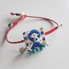 Fabric Bracelets, Fabric Jewelry, Beaded Bracelets, Diy Friendship Bracelets Patterns, Painted Vases, Hippie Jewelry, Crochet Necklace, Jewels, Brooches