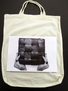 Kuvansiirto kankaalle kynsilakanpoistoaineen avulla | VMSomⒶ KOPPA | Bloglovin' Diy And Crafts, Crafts For Kids, Photo Transfer, Working With Children, Textile Art, Printing On Fabric, Gym Bag, Reusable Tote Bags, Textiles