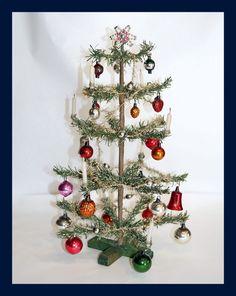 Alter kleiner Weihnachtsbaum - alter Christbaum mit Kerzen   (#  5116)