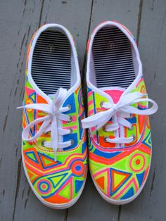 Neon Painted Shoes ☻                                                                                                                                                                  ⇜•ṄεΦЙ❉€яᗛƶΣ•⇝