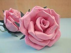 Felt Flowers, Diy Flowers, Fabric Flowers, Diy Crafts Hacks, Diy And Crafts, Paper Crafts, Diy Sofa Cover, Felt Flower Pillow, Rose Sketch