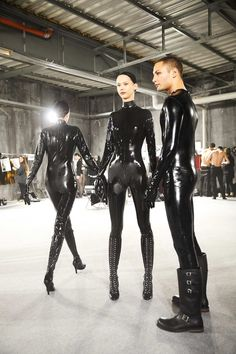 Collections – world of Moschino Fetish Fashion, Latex Fashion, Dark Fashion, Mens Fashion, Latex Babe, Sexy Latex, Rubber Dress, Latex Wear, Latex Costumes