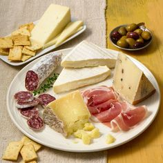 Murrays Cheese - La Dolce Vita Italian Cheese Gift - Italian Chese Gift Basket - Italian Meat and Cheese Gifts Cheese Gift Baskets, Cheese Gifts, Italian Meats, Italian Cheese, Gourmet Cheese, Meat And Cheese, Charcuterie Gifts, Cheese Pairings, Cheese Shop