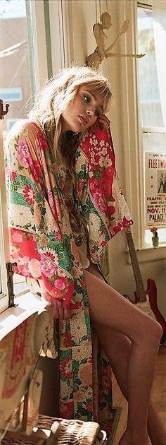 Boho fashion style for the free spirited momma – bohemian Boho Gypsy, Bohemian Kimono, Bohemian Mode, Bohemian Lifestyle, Bohemian Style, Boho Chic, Hippie Bohemian, Hippie Style, Gypsy Style