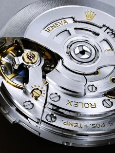 Rolex Sea-Dweller movement, Caliber 3235 - Rolex was granted 14 patents for this caliber. High End Watches, Cool Watches, Rolex Watches, Unique Watches, Elegant Watches, Wrist Watches, Vintage Watches, Black Batman, Sea Dweller
