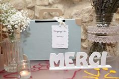 Valise / urne de Mariage/ mot merci en bois