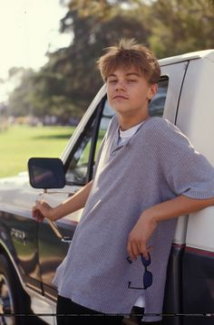young Leonardo DiCaprio is bae Leonard Dicaprio, Young Leonardo Dicaprio, Johnny Depp, Beautiful Boys, Pretty Boys, Jack Dawson, Crush Crush, Hot Boys, Handsome Boys