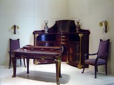 Art Nouveau furniture display at Musée d'Orsay in #paris.